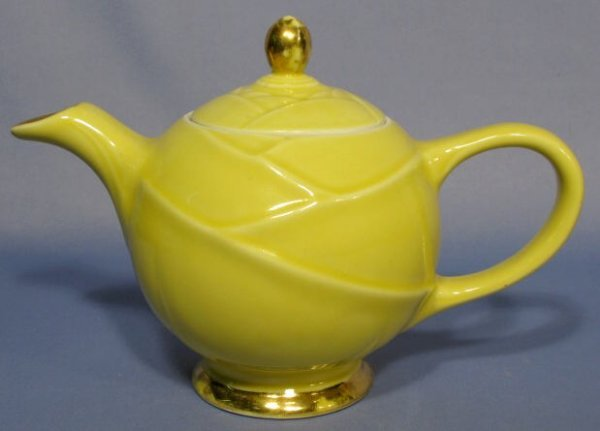 "1021A: Hall Yellow With Gold ""Modene"" Teapot"