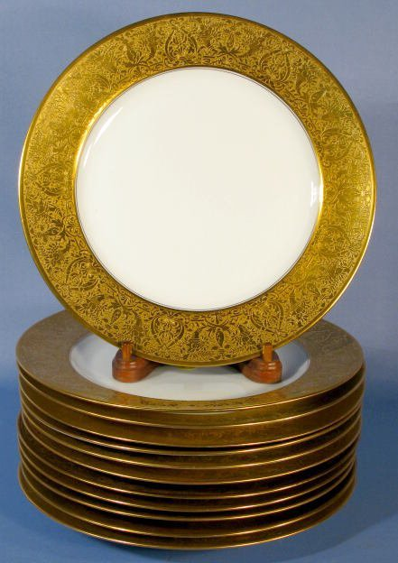 1022: Set of 12 Rosenthal Service Plates