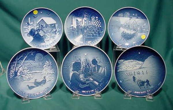 2518: 13pc B&G Christmas Plates 1967-79 NR