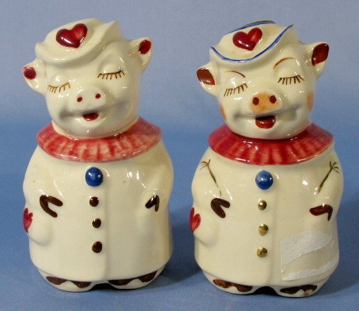 6A: Pair of Shawnee Smiley & Winnie Heart Shakers