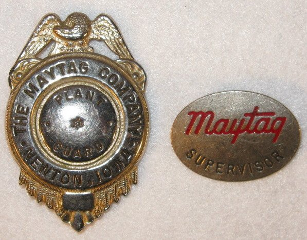 130: Group of 3 Maytag Collectible Badges & Fob - 2