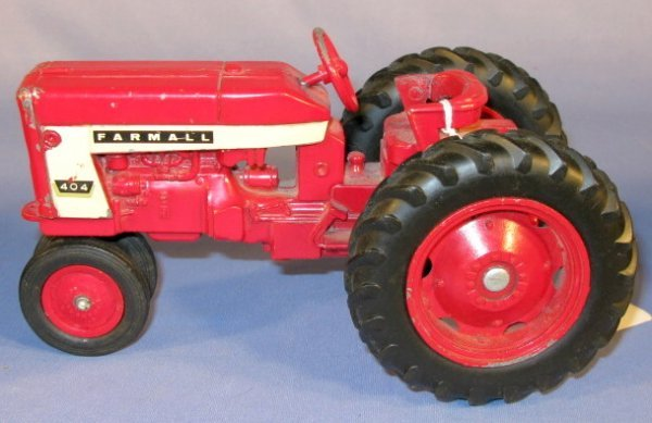 236: Group of 3 Old International Toy Tractors - 3