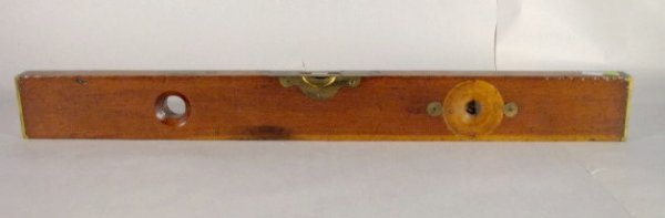 306: C.S. Co. Brass & Wood Level, Pine Meadow, Conn.