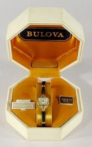 18: Bulova Ladies 17J Wrist Watch in Box