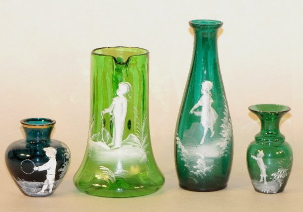 2: 4 Mary Gregory Green Glass Items