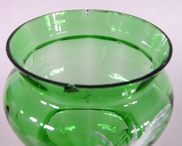 5: 3 Mary Gregory Green/Clear Vases - 5