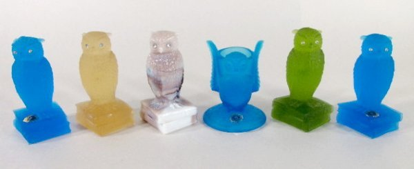 9: 5 Westmoreland Colored Glass Owls & Toothpick