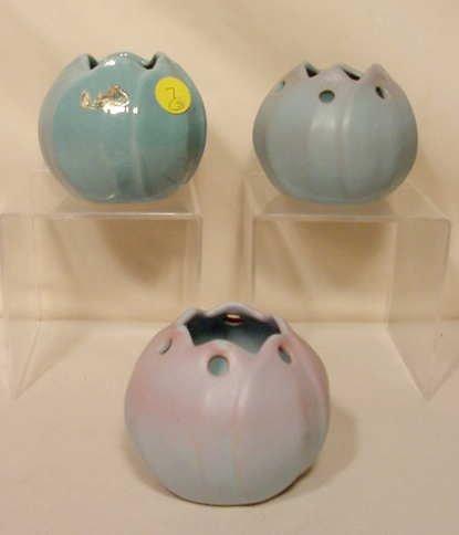 7: 3pc Signed Rosemeade Pottery Pots NR