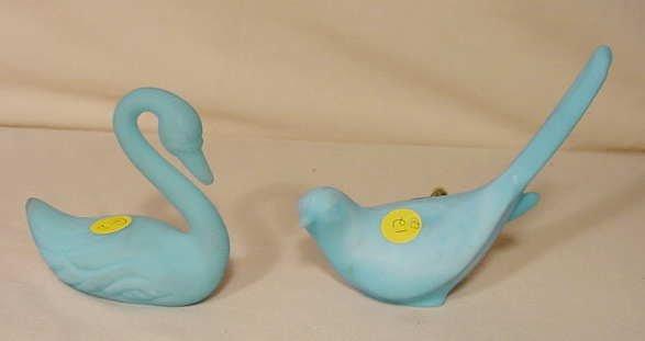 12: 2 Fenton Blue Satin Birds, 1 Swan NR