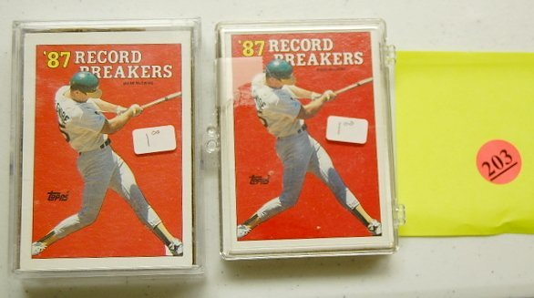 203: 75- 1988 Topps Mark McGwire #3 Baseball Cards