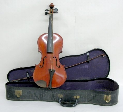 326A: Imperial (Nippon) Violin w/Bow in Case