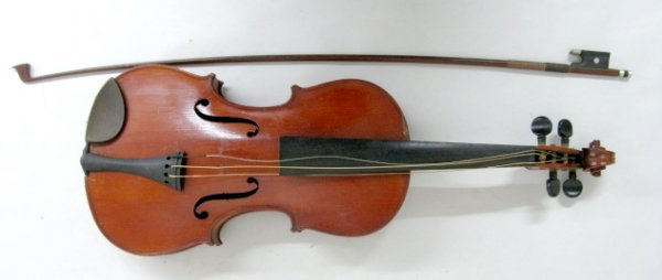 326A: Imperial (Nippon) Violin w/Bow in Case - 2