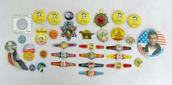 381: Group of Tin Comic Character Pins, Rings & Coin