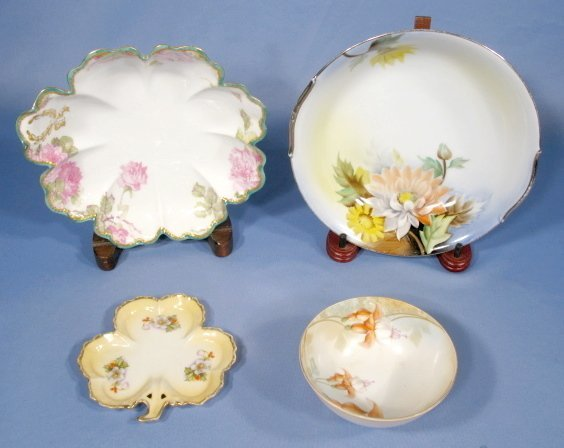 2: 4 Pieces Vintage Floral Decorated China
