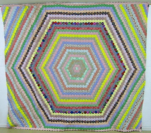 5A: Hand Quilted Hexagon Mosaic Quilt