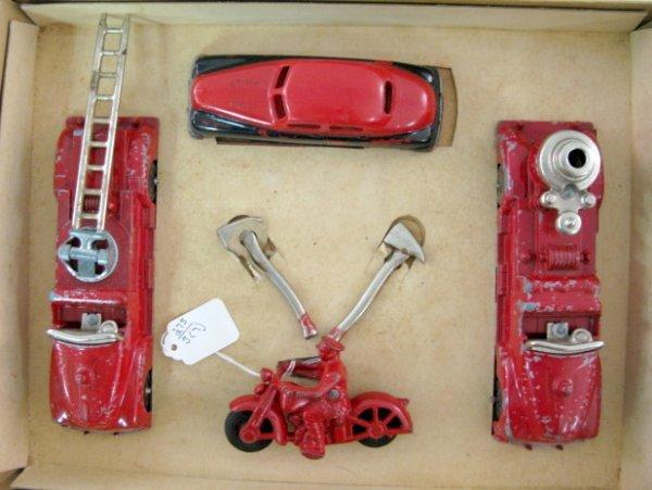 19: Hubley Kiddie Toy Fire Apparatus No.30 - 4