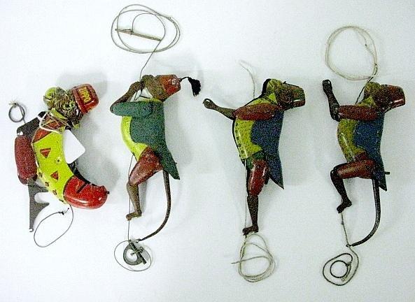 18: Group of 4 Vintage Tin Litho Climbing Monkeys