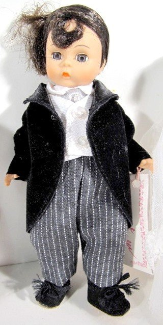 4: 2 Pairs Madame Alexander Bride & Groom Dolls - 4