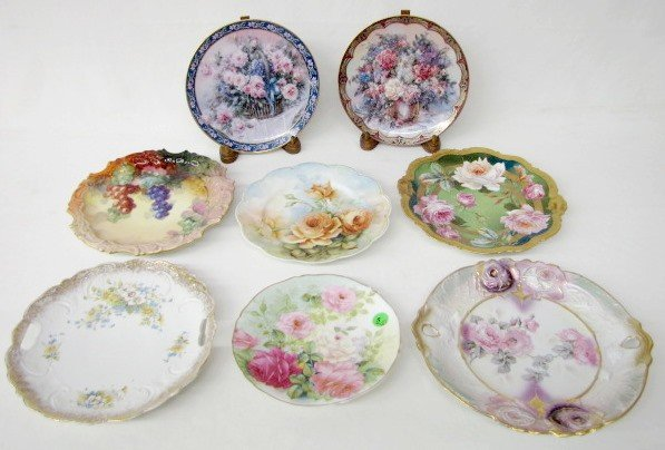 5: Group of 8 Floral Decorated Plates