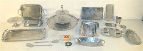 320: Group of 26 Aluminum Items: Trays & More