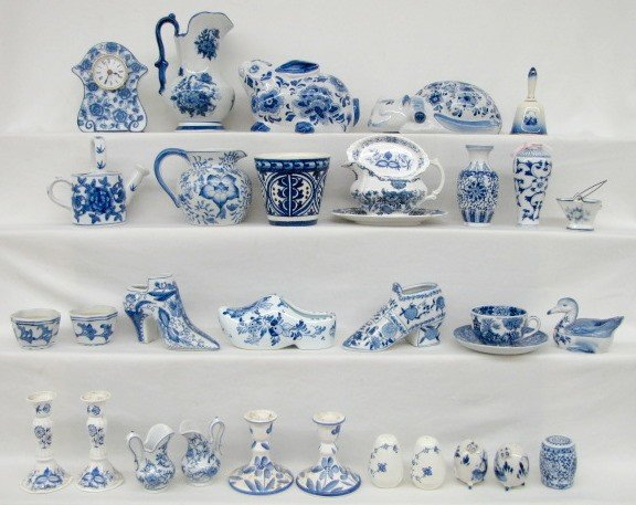 6: 33 Contemporary Blue & White China Collectibles