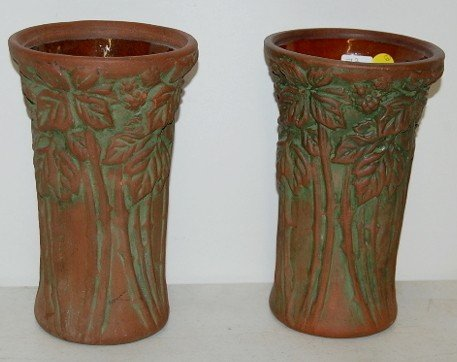 15: 2 Peters & Reed Moss Aztec Thornberry Vases