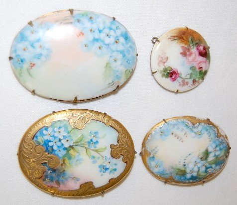 6A: 4 Painted Porcelain Brooches & Pendants