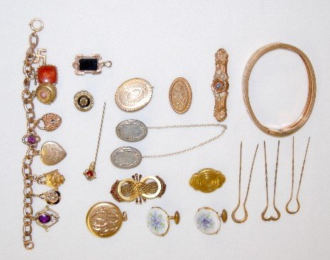 105A: 16 Pieces of Victorian Jewelry: Bracelets Plus