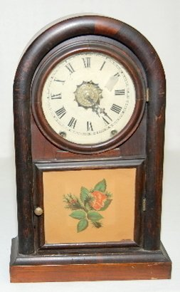 6: New Haven Round Gothic Antique Clock