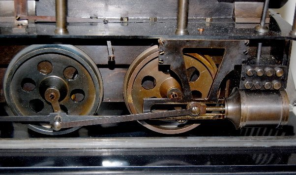 101A: Large Iron 3 Function Locomotive Clock - 4