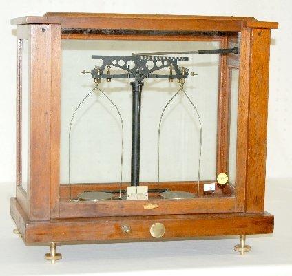 37: Henry Troemner No. 35 Gold Scale