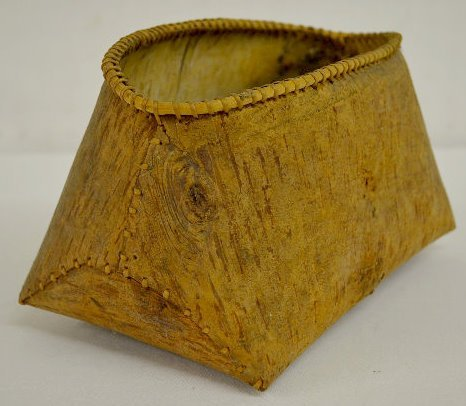 Old Native American Birch Bark Container - 4