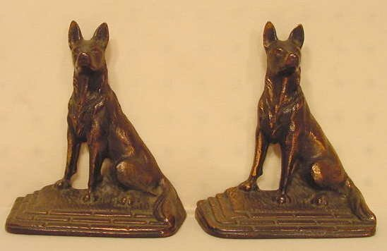 1001: Dog Bookends