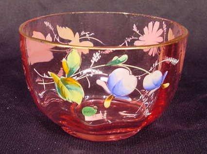 1008A: Art Glass Bowl Cranberry Enameled Daisy NR