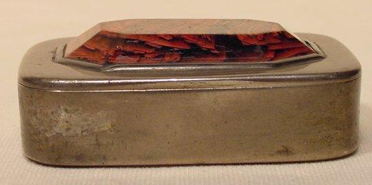 20: Hallmarked Varieagated Snuff Box NR