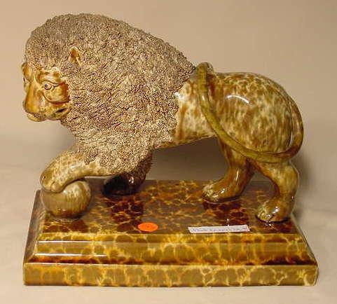 143: Bennington Flint Enamel Lion (Fully Marked) NR