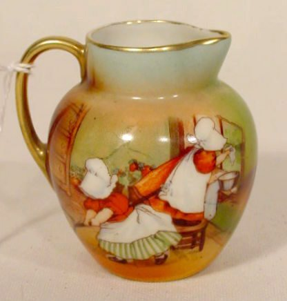 2001: Royal Bayreuth Creamer with Sunbonnet Babies NR