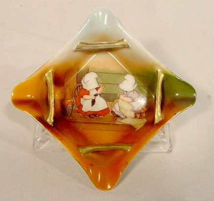 2008: Royal Bayreuth Ashtray with Sunbonnet Babies NR