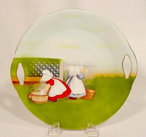 2010: Royal Bayreuth Cake Plate with Sunbonnet Babies