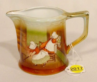 2017: Royal Bayreuth Creamer with Sunbonnet Babies NR