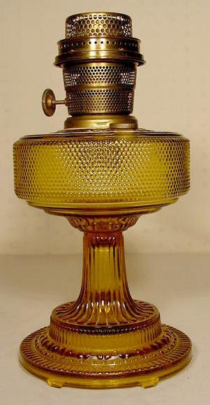 18: Aladdin 106 Amber Colonial Lamp, Model B Burner