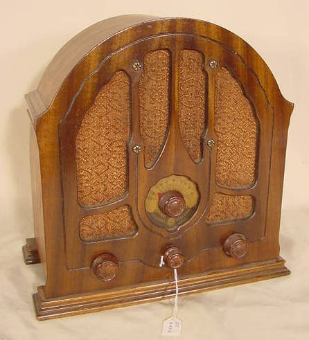 523: 1933 GE K-43-V Cathedral Radio NR