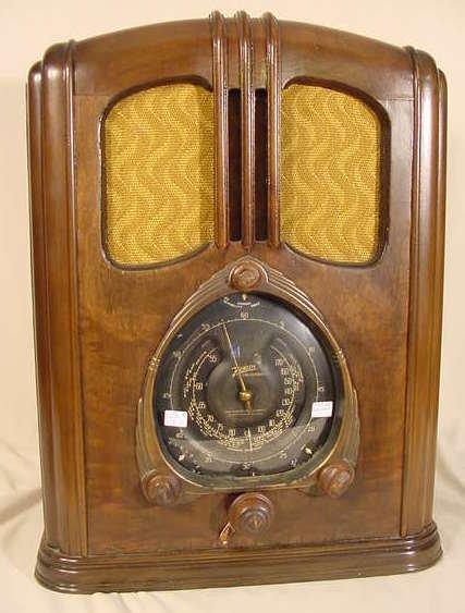 539: Zenith Model 7-J-232 Tombstone Black Dial NR