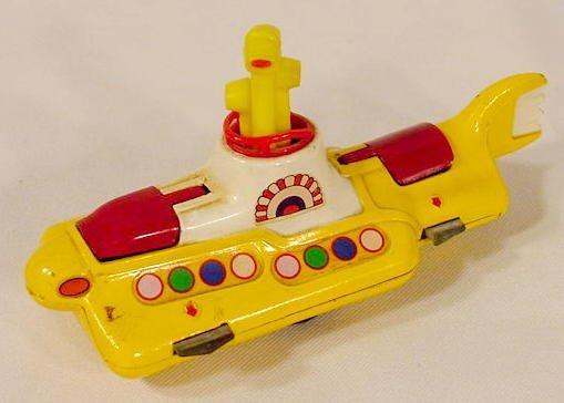 1507: Corgi Toys Beatles Yellow Submarine NR