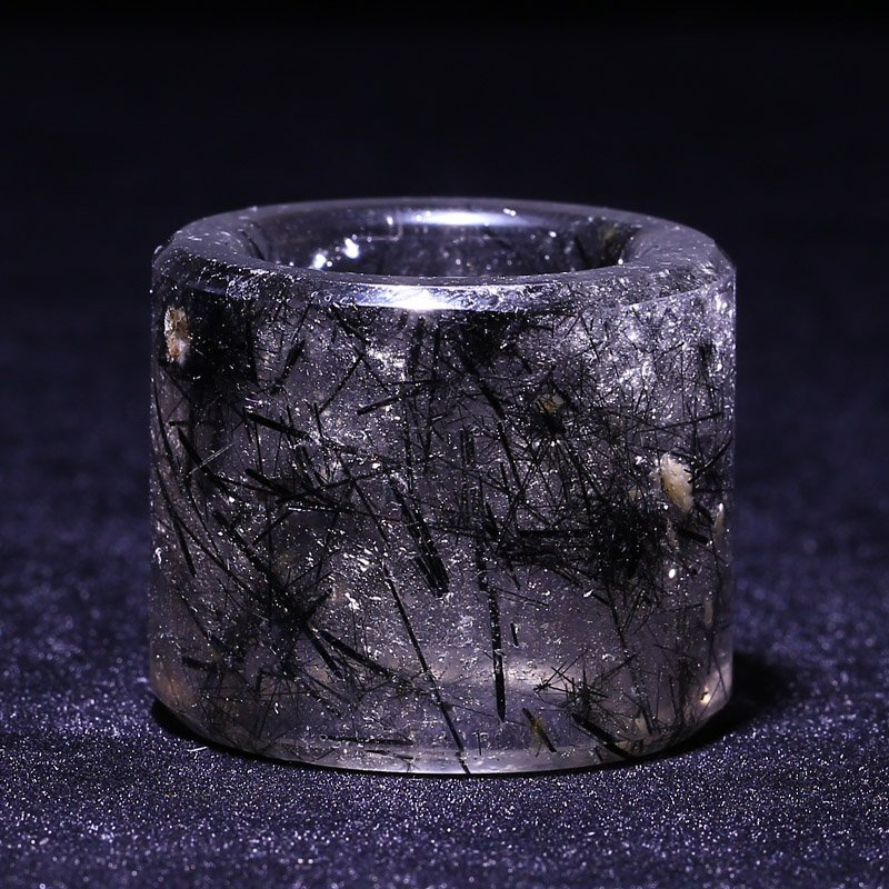 Chinese Qing Dynasty Berg Crystal Thumb Ring