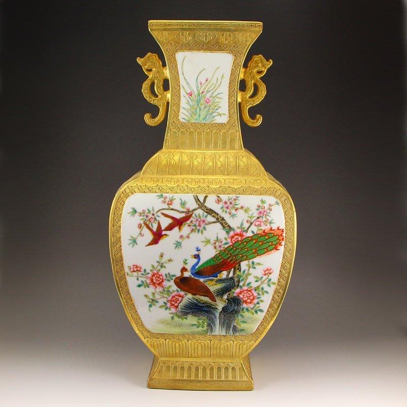 China Gilt Gold Famille Rose Double Ears Porcelain Vase