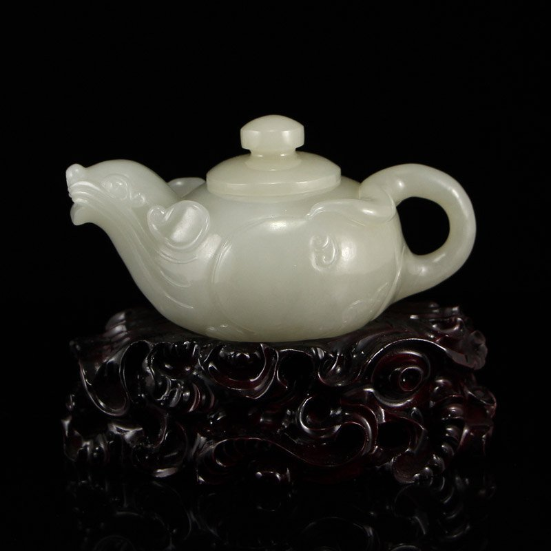 Chinese Qing Dynasty Hetian Jade Teapot