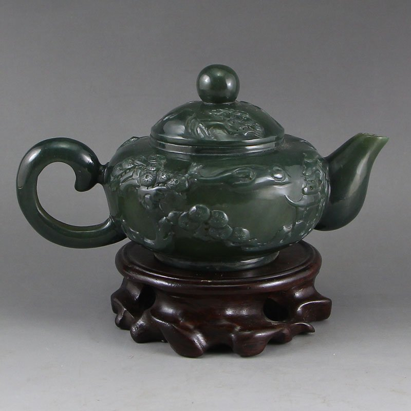 Chinese Qing Dynasty Green Hetian Jade Teapot