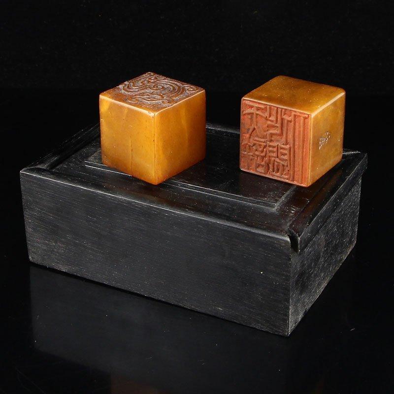 Shoushan Stone Tian Huang Stone Seals w Zitan Wood Box