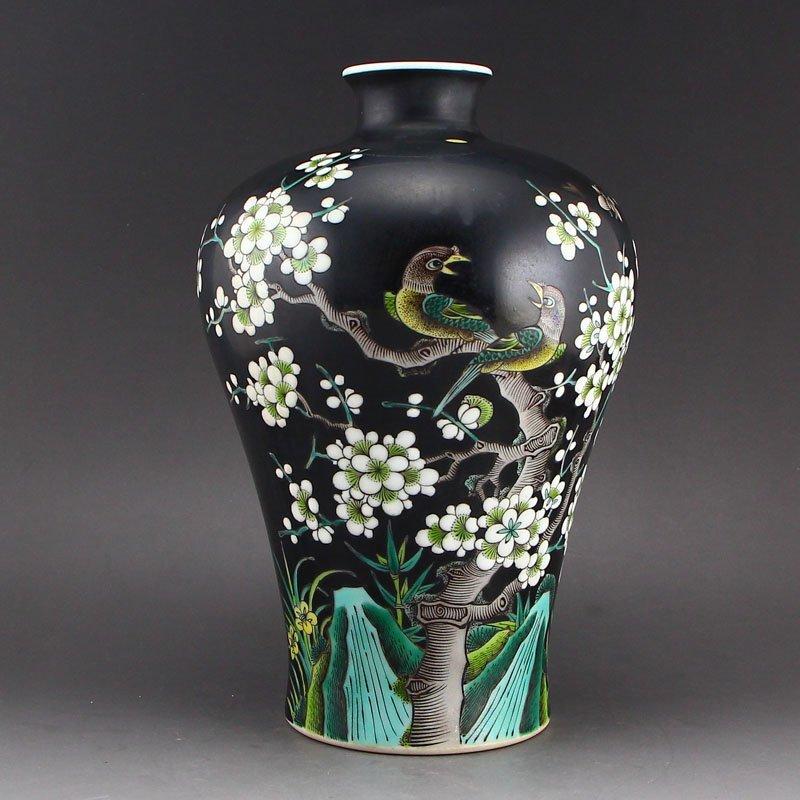 Chinese Qing Dy Su San Cai Porcelain Vase w Kangxi Mark